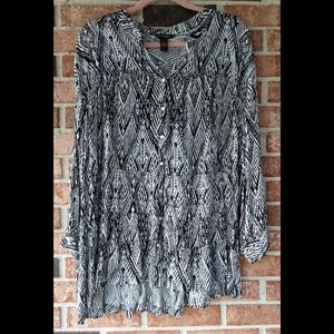 Tops - NWT Bit&Bridle Black Printed Button Front Top 2X